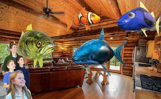 Коллаж с летающими рыбами